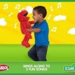 He can sing, play pretend & hug! Enter to win a Big Hugs Elmo for the holidays (US & Canada)