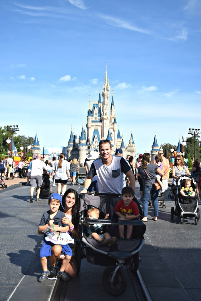 Family picture Disney World