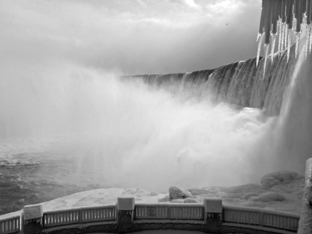 NiagaraParksBlackandwhite