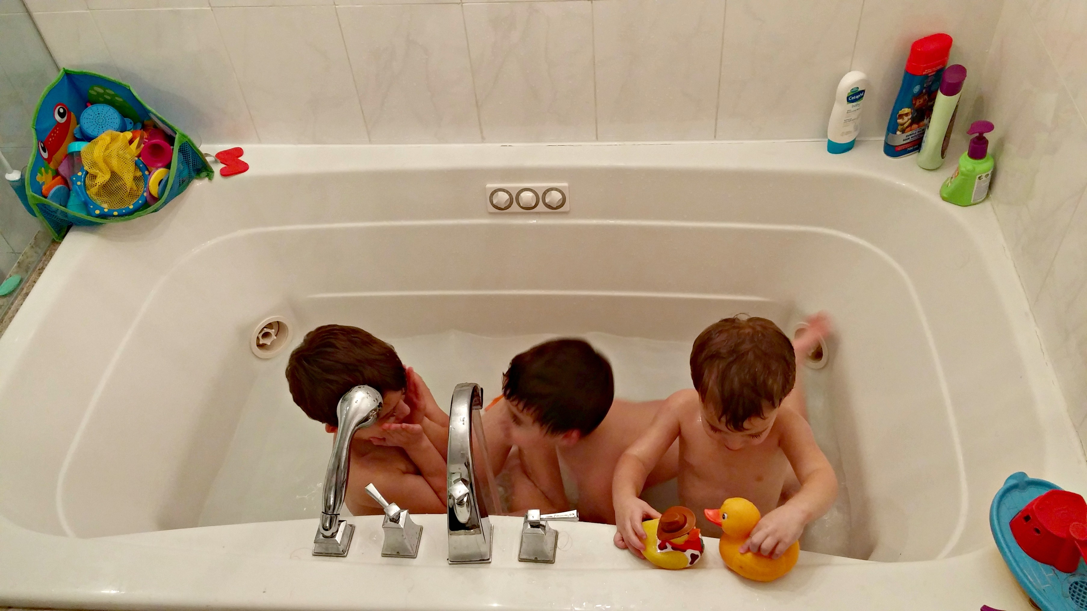 Boys in the bath - Mayahood