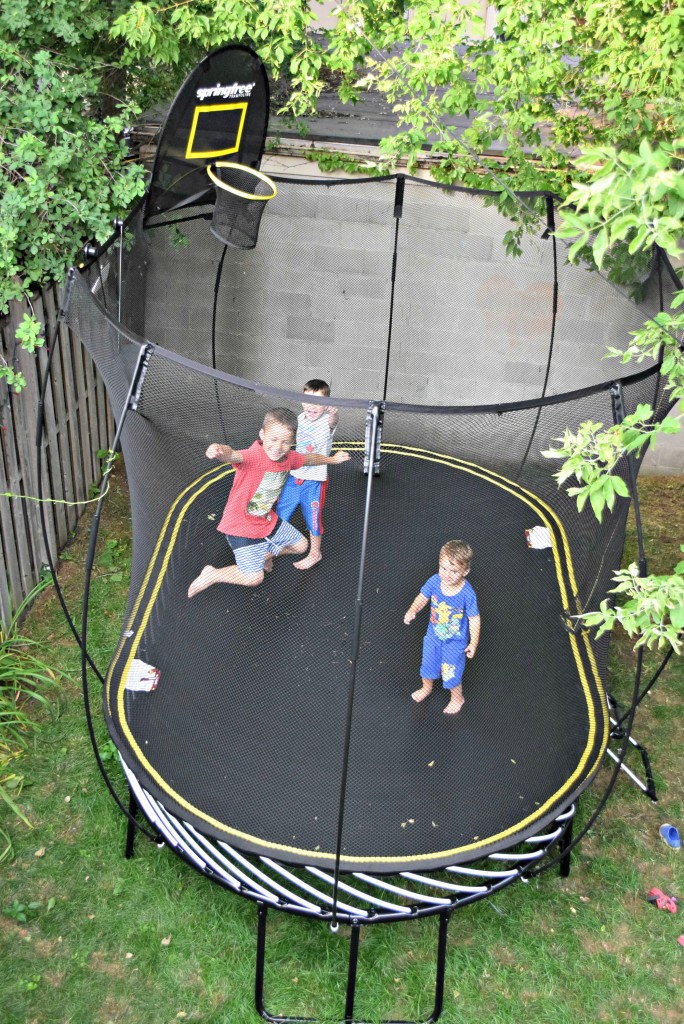 Reclaim your backyard with springfree trampoline mayahood for Springfree trampoline